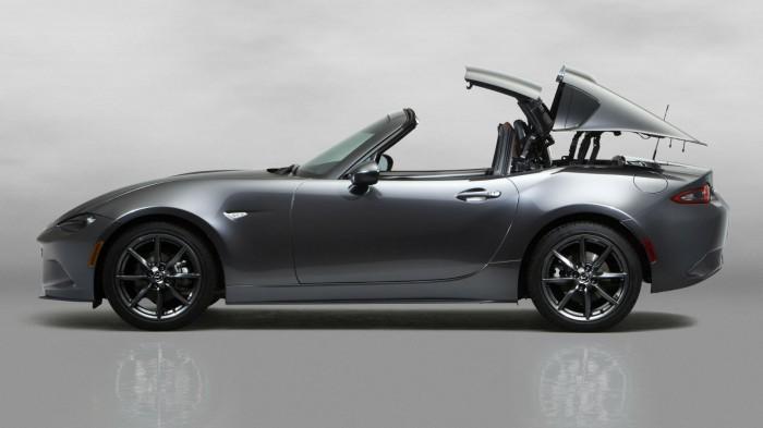 2016 Mazda MX 5RF Side Roof Movement carwitter 700x393 - Fifth gen Mazda MX-5 gets a hard top - MX-5 RF breaks cover - Fifth gen Mazda MX-5 gets a hard top - MX-5 RF breaks cover