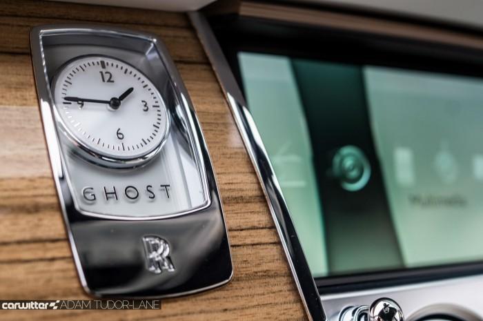 2016 Rolls Royce Ghost Series 2 Review Clock Badge carwitter 700x465 - 2015 Rolls Royce Ghost Series 2 Review - 2015 Rolls Royce Ghost Series 2 Review