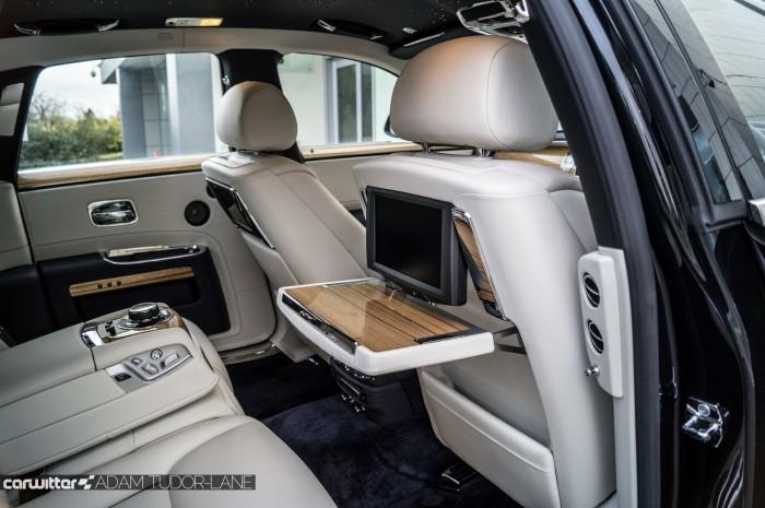 2016 Rolls Royce Ghost Series 2 Review Rear Seat Tables carwitter 700x465 - 2015 Rolls Royce Ghost Series 2 Review - 2015 Rolls Royce Ghost Series 2 Review