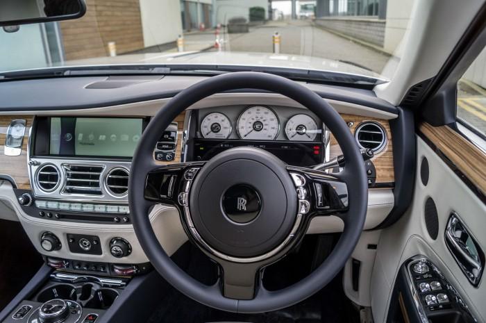 2016 Rolls Royce Ghost Series 2 Review Steering Wheel Close carwitter 700x465 - 2015 Rolls Royce Ghost Series 2 Review - 2015 Rolls Royce Ghost Series 2 Review