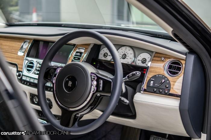 2016 Rolls Royce Ghost Series 2 Review Steering Wheel carwitter 700x465 - 2015 Rolls Royce Ghost Series 2 Review - 2015 Rolls Royce Ghost Series 2 Review