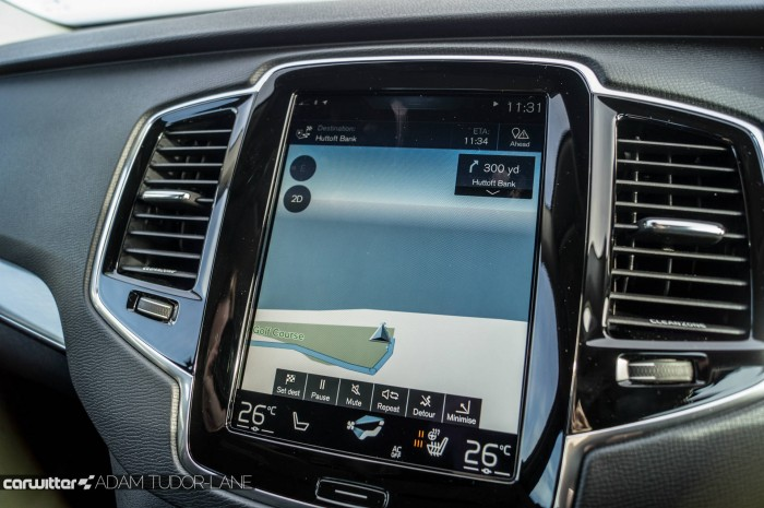 2016 Volvo XC90 D5 Review Touchscreen carwitter 700x465 - 2016 Volvo XC90 D5 Review – The future - 2016 Volvo XC90 D5 Review – The future