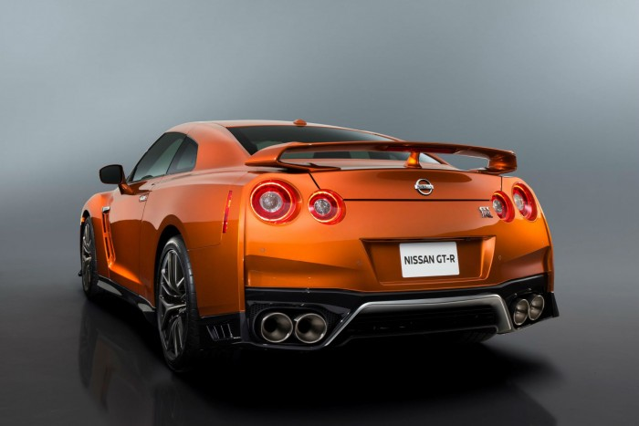 2017 Nisan GT-R R35 - Rear Angle - carwitter