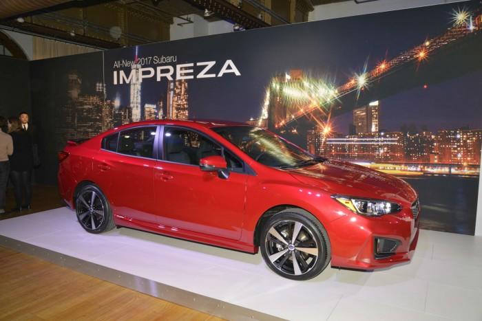 2017 Subaru Impreza - Side - carwitter