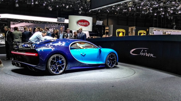Geneva Motor Show 2016 Bugatti Chiron Side Rear carwitter 700x393 - Geneva International Motor Show 2016 - A Round Up - Geneva International Motor Show 2016 - A Round Up