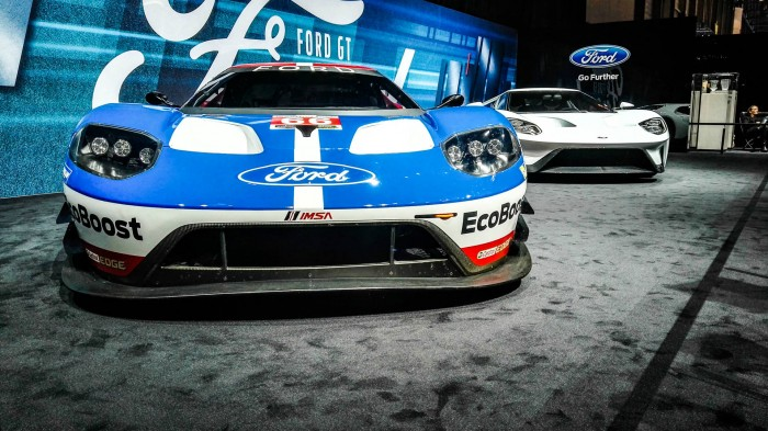 Geneva Motor Show 2016 - Ford GT WEC and Road Car - carwitter