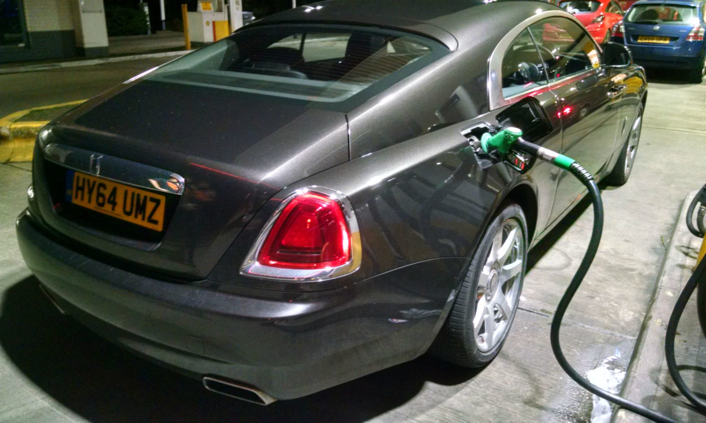 Rolls Royce Wraith Petrol Pump 001 carwitter 1400x840 - The Budget 2016 for Motorists - The Budget 2016 for Motorists