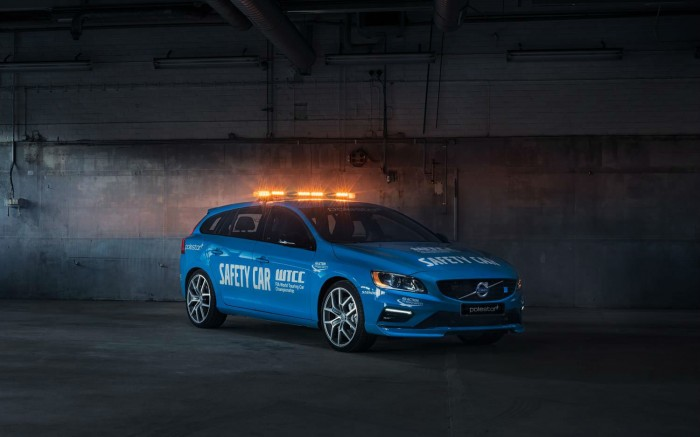 Volvo V60 Polestar WTCC Safety Car - Front Angle - carwitter