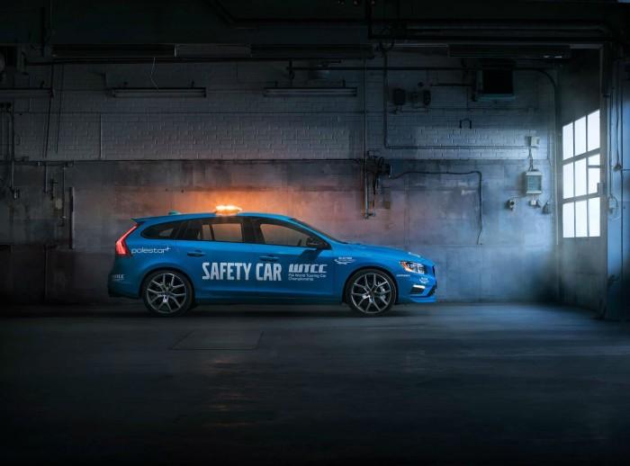 Volvo V60 Polestar WTCC Safety Car - Side- carwitter