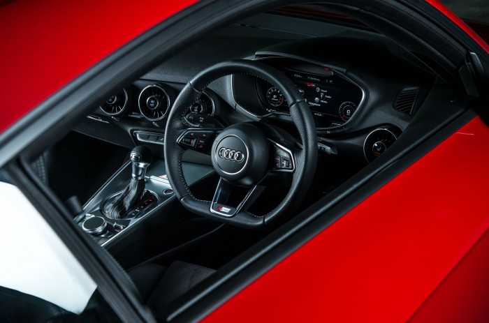 2016 Audi TT 2.0 TFSI Quattro Review - Interior Dashboard - carwitter
