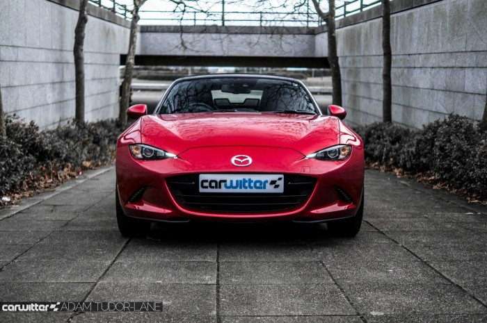 2016 Mazda MX5 160 PS Review Front Low carwitter 700x465 - 2016 Mazda MX-5 160PS Review - 2016 Mazda MX-5 160PS Review