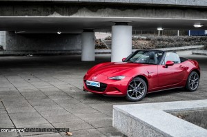 2016 Mazda MX5 160 PS Review Side Front carwitter 300x199 - 2016 Mazda MX-5 160PS Review - 2016 Mazda MX-5 160PS Review