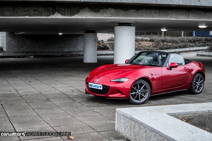 2016 Mazda MX5 160 PS Review Side Front carwitter 700x465 - 2016 Mazda MX-5 160PS Review - 2016 Mazda MX-5 160PS Review