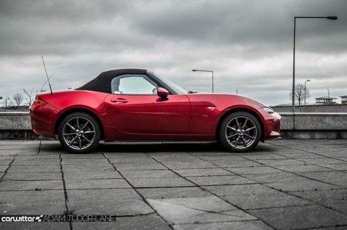 2016 Mazda MX5 160 PS Review Side Roof Up carwitter 700x465 - 2016 Mazda MX-5 160PS Review - 2016 Mazda MX-5 160PS Review