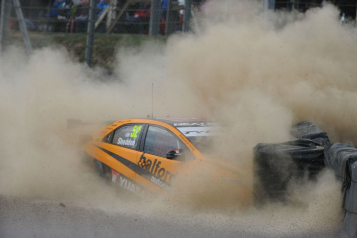 BTCC 16 Brands Hatch Shedden Honda off