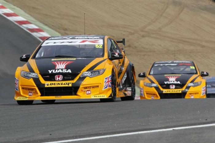BTCC 16 Brands Hatch Shedden Neal Race 2