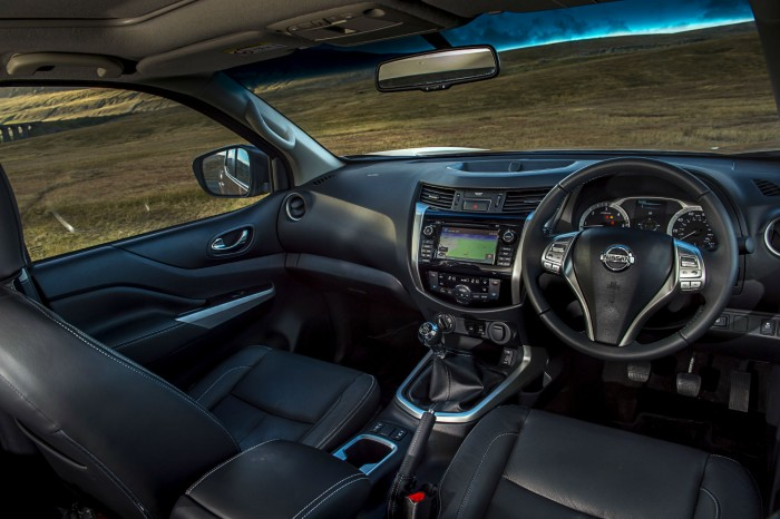 Nissan Navara NP300 Automatic Review - Dashboard Interior - carwitter