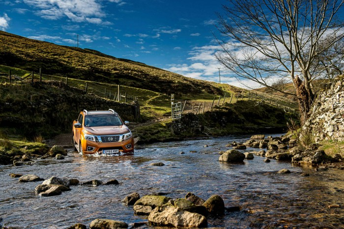 Nissan Navara NP300 Automatic Review - Front Ford Crossing - carwitter