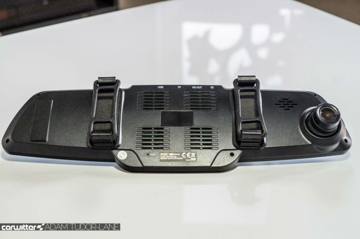 RAC 03 Super HD Rear View Mirror Dash Cam Review 004 carwitter 700x465 - RAC 03 Super HD Rear View Mirror Dash Cam Review - RAC 03 Super HD Rear View Mirror Dash Cam Review