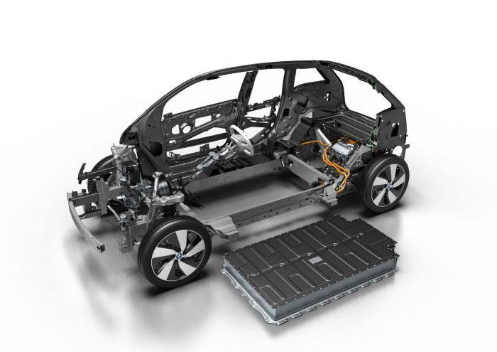 2016 BMW i3 94AH Battery Cutaway carwitter 700x495 - Banning Combustion Cars By 2040 In The UK Is Bollocks - Banning Combustion Cars By 2040 In The UK Is Bollocks