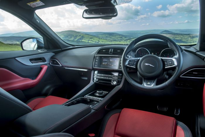 2016 Jaguar F-Pace S Diesel Review - Interior Dashboard - carwitter