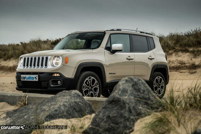 2016 Jeep Renegade Review - Side Scene - carwitter