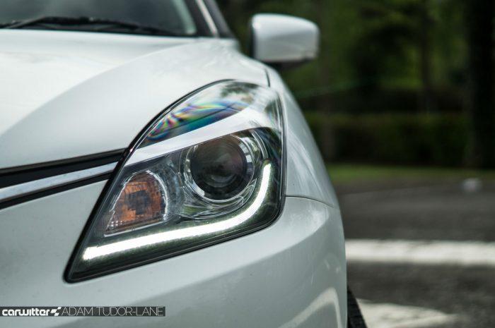 2016 Suzuki Baleno Review - Headlight - carwitter