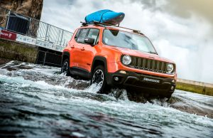 Jeep Renegade drives Olympic Standard White Water Rafting Course Front Scene carwitter 300x194 - Jeep Renegade drives through rapids - Jeep Renegade drives through rapids