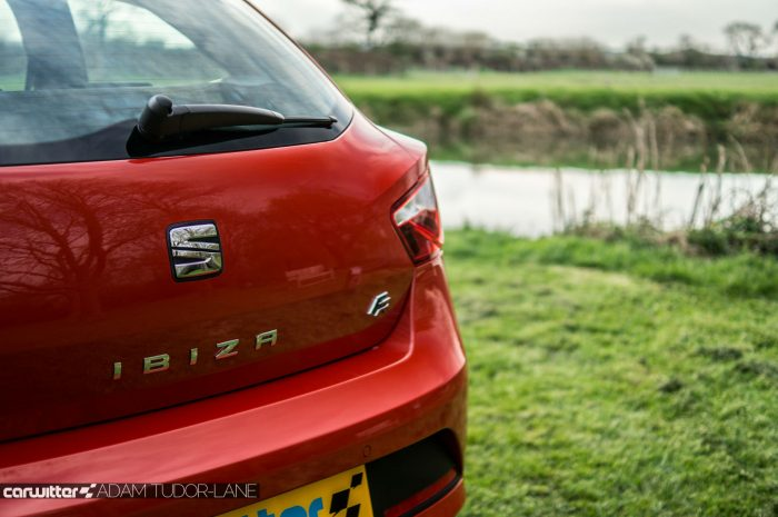 2016 SEAT Ibiza FR Review - Rear Badge - carwitter