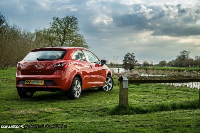 2016 SEAT Ibiza FR Review - Side Scene Far - carwitter