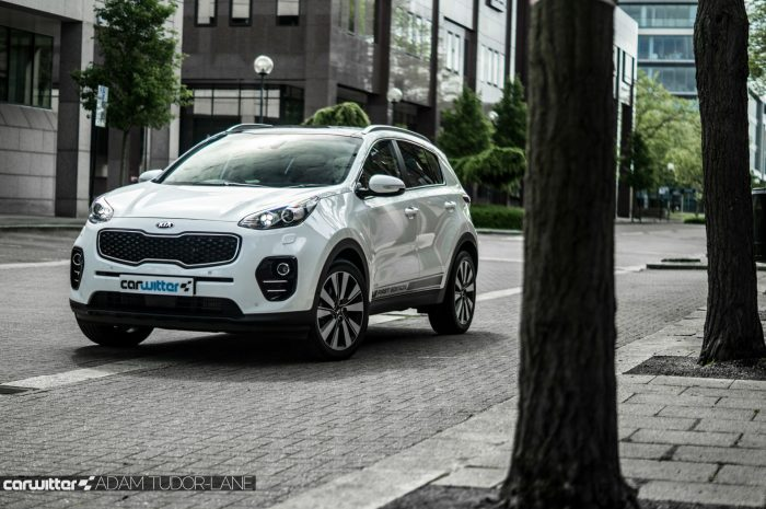 2016 Kia Sportage Review Front Scene carwitter 700x465 - 2016 Kia Sportage 2.0 litre diesel Review - 2016 Kia Sportage 2.0 litre diesel Review