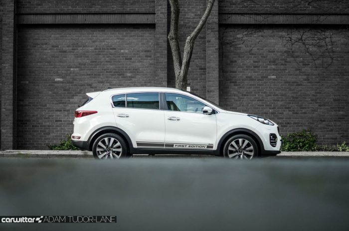 2016 Kia Sportage Review - Side Low - carwitter
