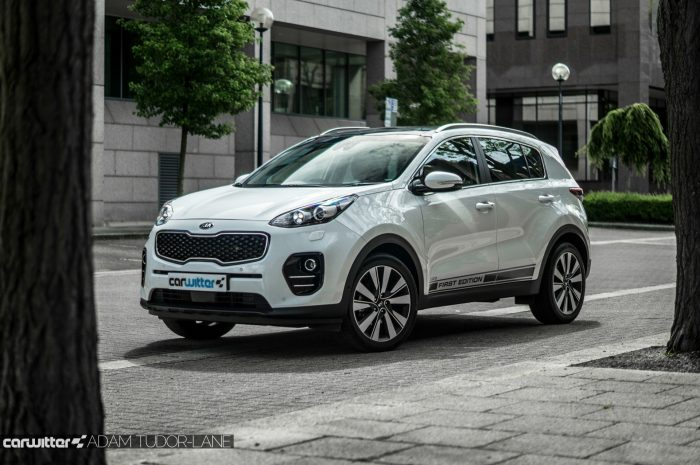 2016 Kia Sportage Review - Side Scene - carwitter