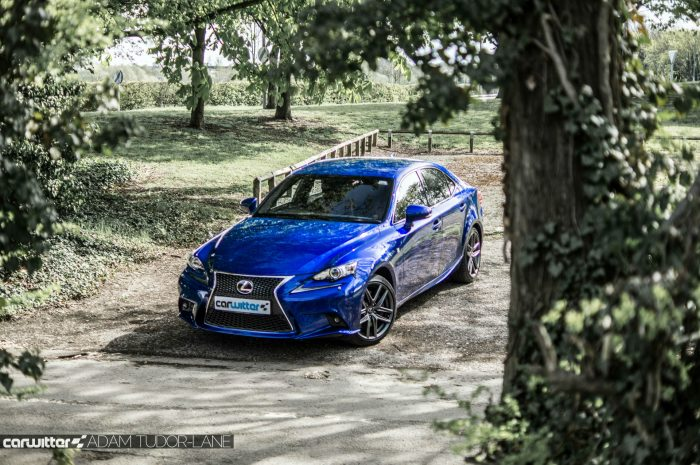 2016 Lexus is200t Review - Front Scene - carwitter