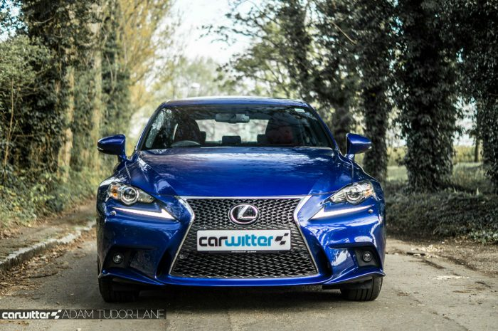2016 Lexus is200t Review - Front - carwitter