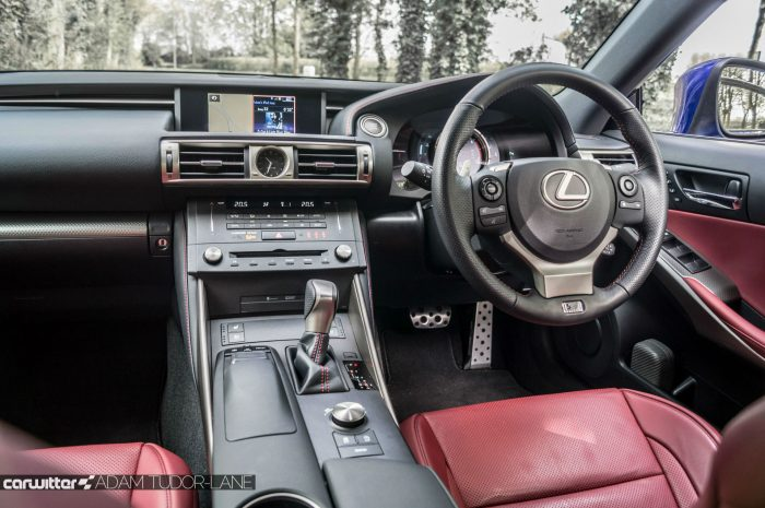2016 Lexus is200t Review - Interior Dashboard - carwitter