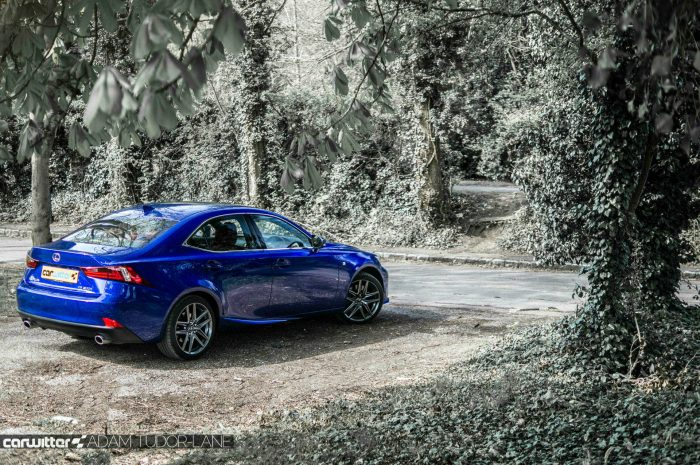 2016 Lexus is200t Review - Rear Angle Scene - carwitter