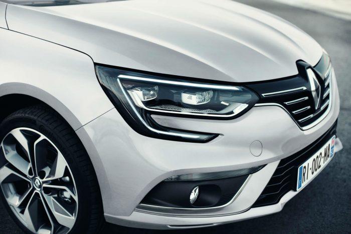 2016 Renault Megane Grand Coupe - Headlight - carwitter