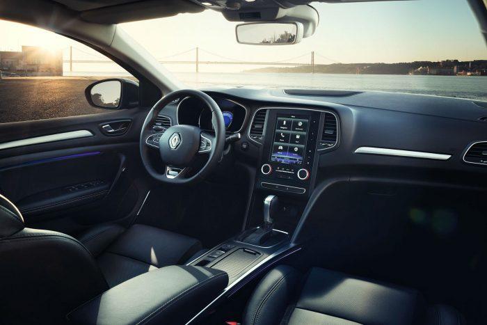 2016 Renault Megane Grand Coupe - Interior - carwitter