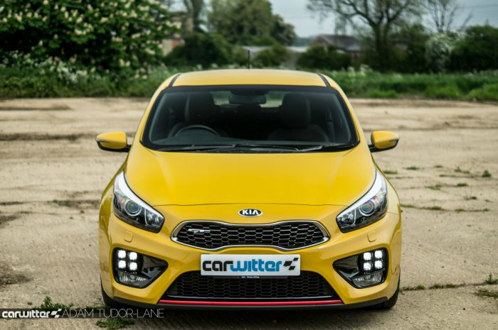 2016 KIA Pro Ceed GT Review - Front High - carwitter