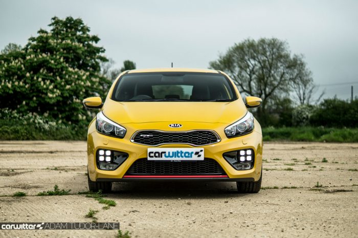 2016 KIA Pro Ceed GT Review - Front - carwitter