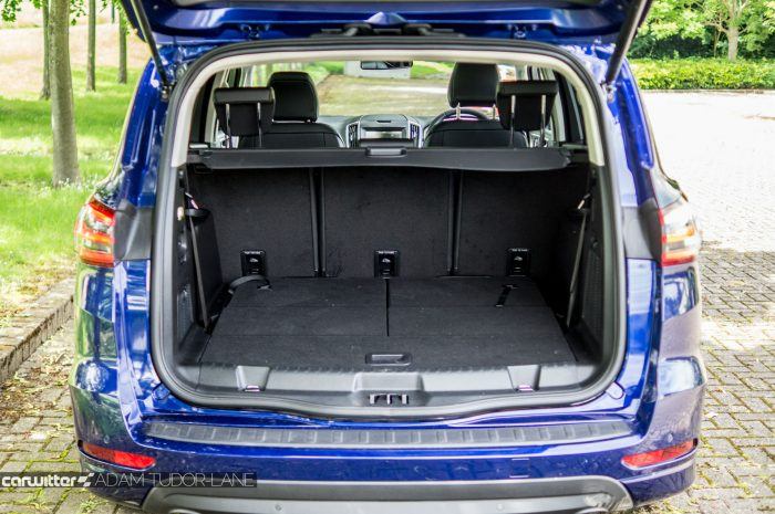 2016 Ford S Max Review Boot carwitter 700x465 - 2016 Ford S-Max Titanium Review - 2016 Ford S-Max Titanium Review