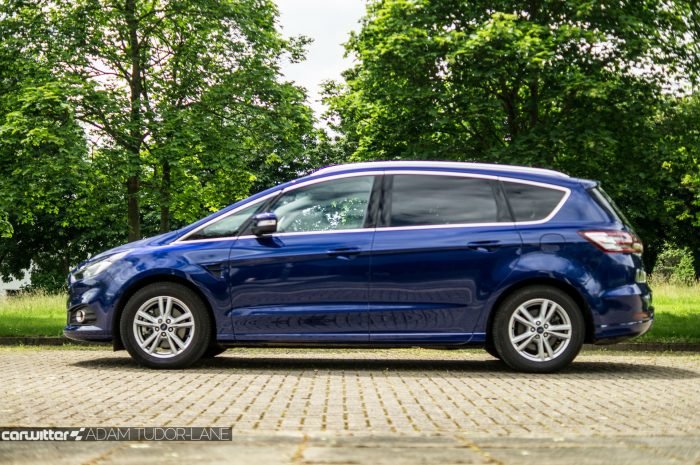 2016 Ford S Max Review Side carwitter 700x465 - 2016 Ford S-Max Titanium Review - 2016 Ford S-Max Titanium Review