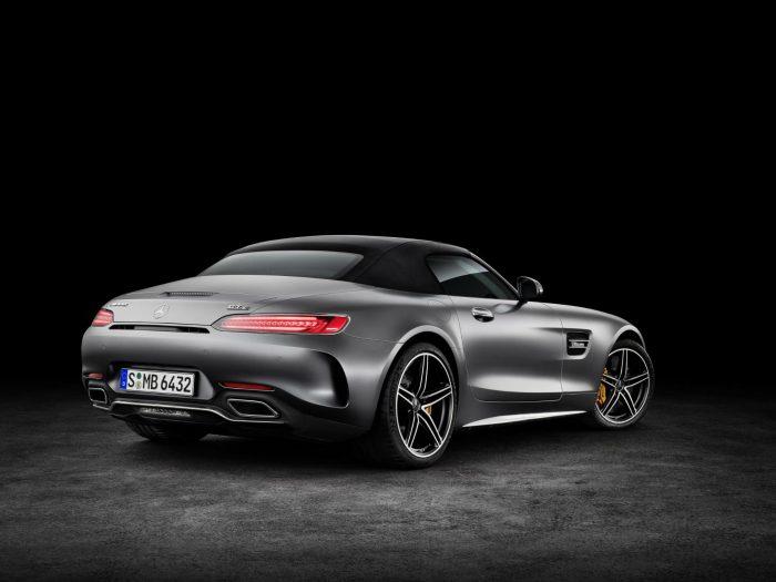 2017-mercedes-amg-gt-c-roadster-black-rear-carwitter