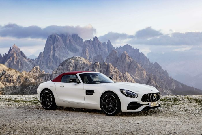 2017-mercedes-amg-gt-c-roadster-white-side-carwitter