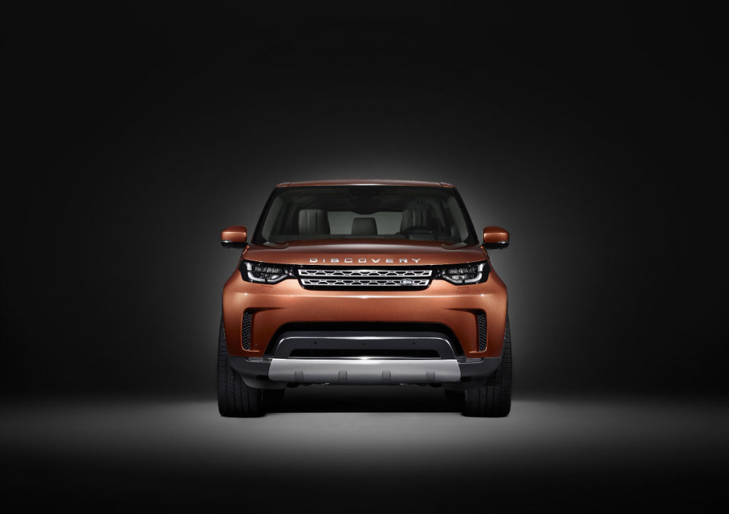Land Rover 2017 Discovery Front - Land Rover Release Image of 2017 Discovery - Land Rover Release Image of 2017 Discovery