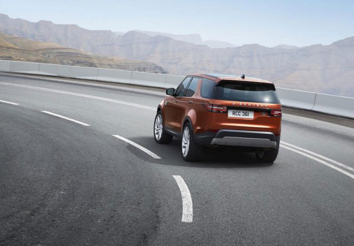 land-rover-discovery-back