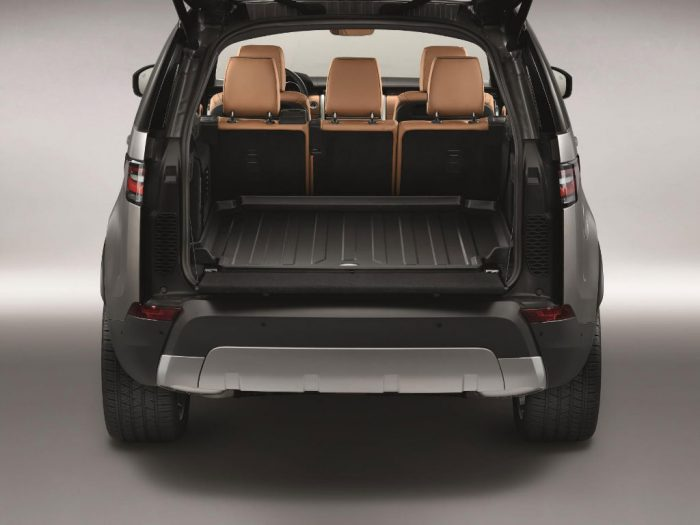 land-rover-discovery-boot