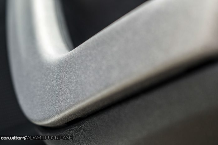 2016 Peugeot 2008 Allure 1.2 Review Door Handle Finish Effect carwitter 700x465 - 2016 Facelift Peugeot 2008 Review - 2016 Facelift Peugeot 2008 Review