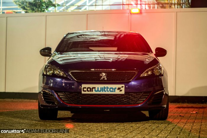 2016 Peugeot 308 GTi Review Front Blue carwitter 700x465 - Peugeot 308 GTi Review - Peugeot 308 GTi Review